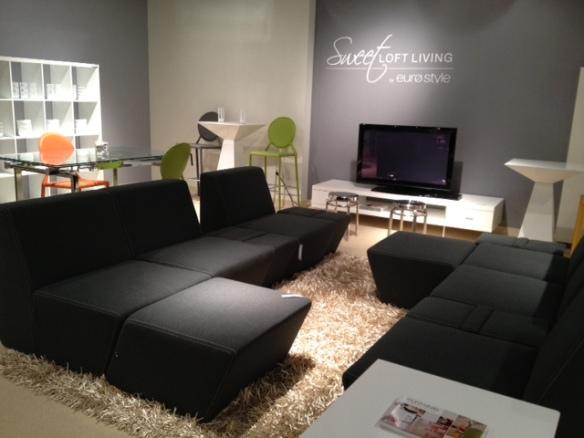Versatile Tsutsumi Sofa